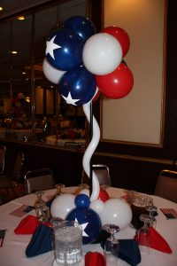 White-blue-red-table-decor